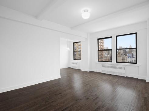 12-E-86-#1528-Livingroom1