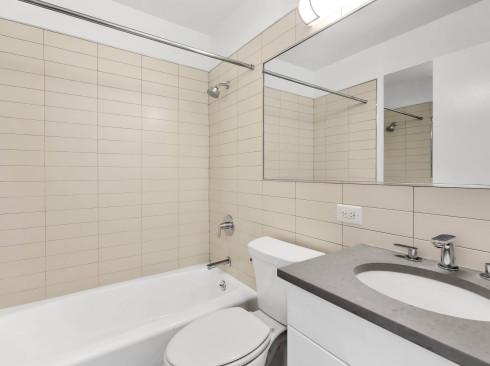 124 #25N Bathroom