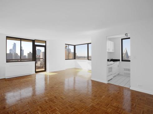 124 w 60 #19E Livingroom1
