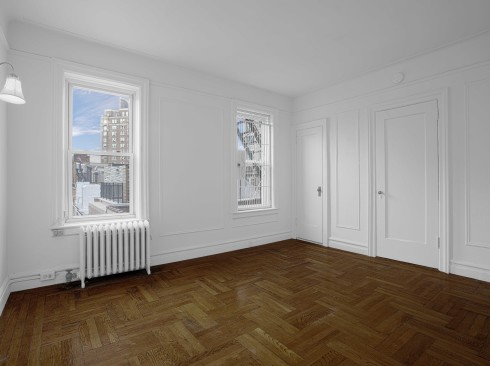 140-Waverly-Pl-#6C-Livingroom
