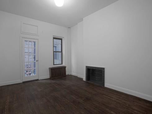 148 w 10 #1RW-Livingroom1Low