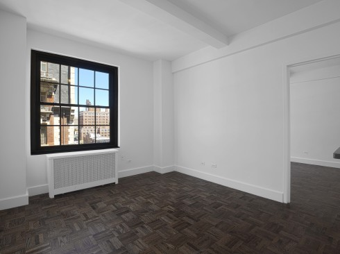 160 w 71 #11L Livingroom