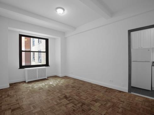 160 w 71 #15B LivingroomLow