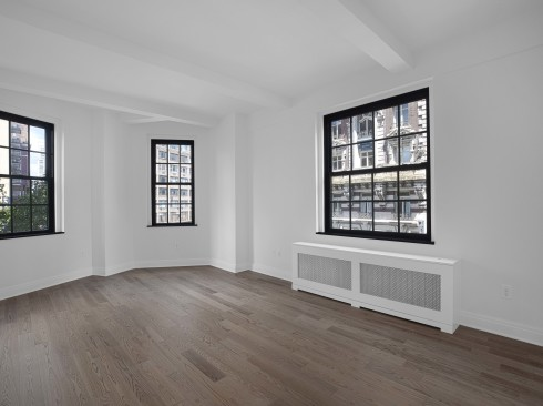 160 w 71 #3R Livingroom