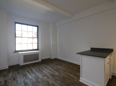 160 West 71st 4H Living Room
