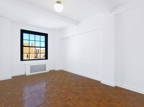 160 West 71st street #10G-Livingroom