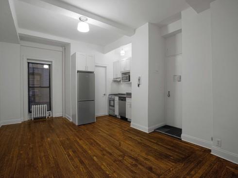 19 West 69th #204 Livingroom