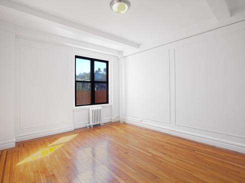 208 w 23 #919-Livingroom