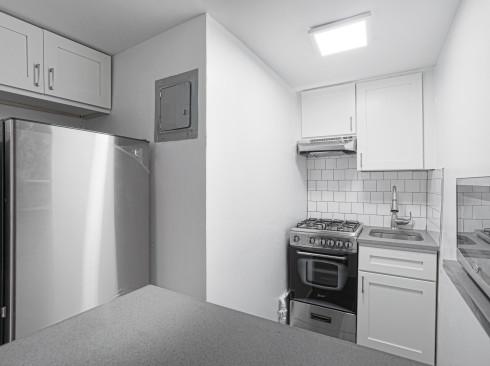 213 w 13-#D-Kitchen