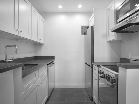 24-5th-ave-#1521-Kitchen