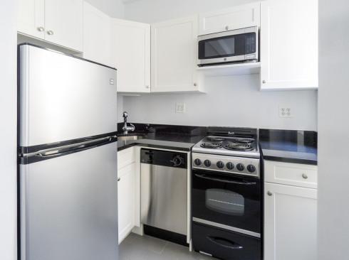 24 Fifth avenue apt 1018 kitchen