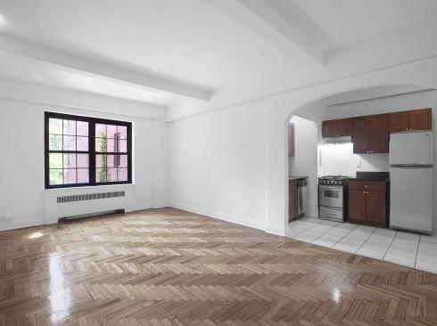 245-e-11-#3E-Livingroom
