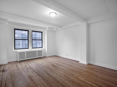 253 W 72-#1102-Livingroom1Low