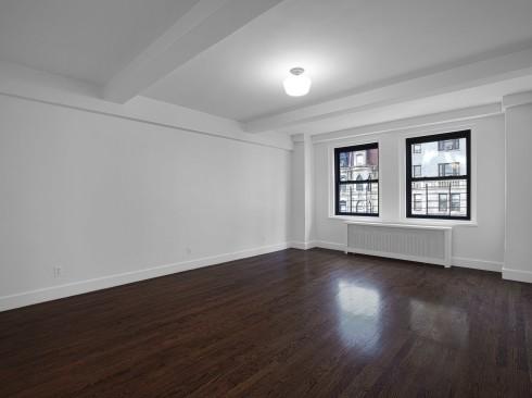 253 W 72-#410-LivingroomLow