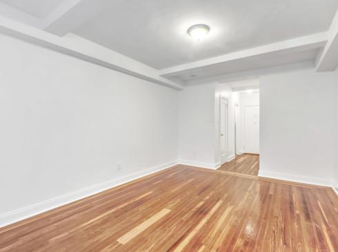 253 W 72 Livingroom2