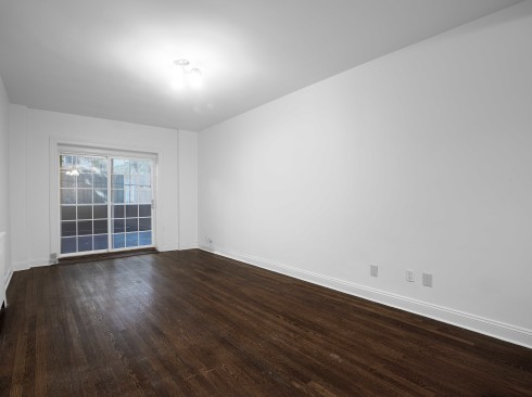 30-Greenwich-#1A-Livingroom