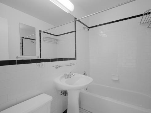 420-w-42-#19G-BathroomLow
