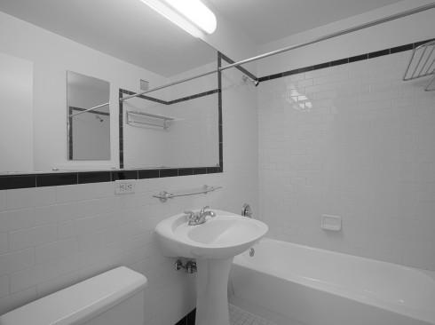 420-w-42-#24H-BathroomLow