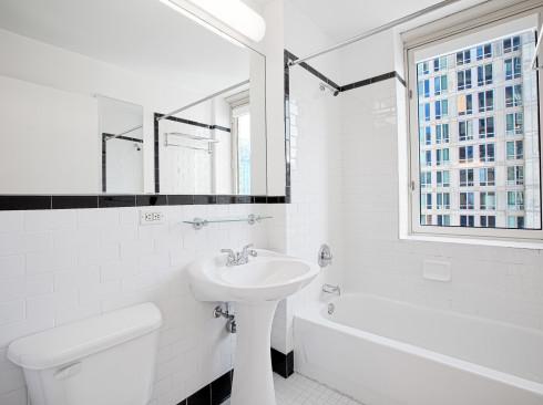 420-w-42-#26B-Bathroom