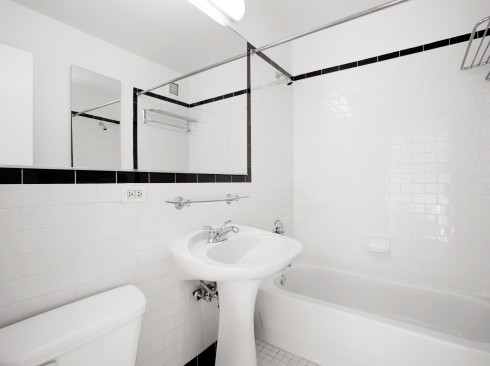 420-w-42-#36H-BathroomLow