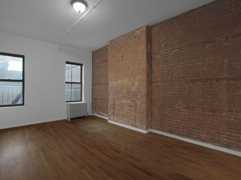 592-9th-ave-#2B-Livingroom
