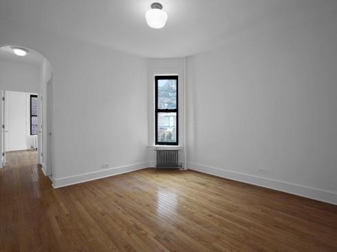 82-Jane-#4D-Livingroom