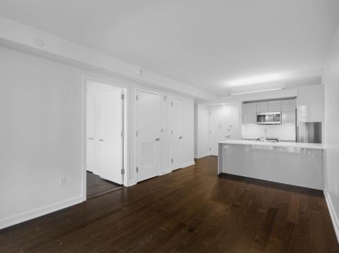 Enclave Uit 719 Livingroom2Low