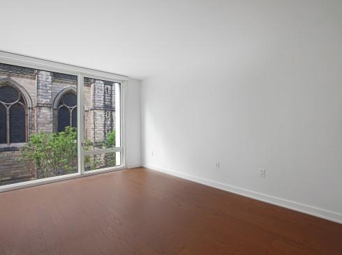 Enclave - Unit 418 Living room