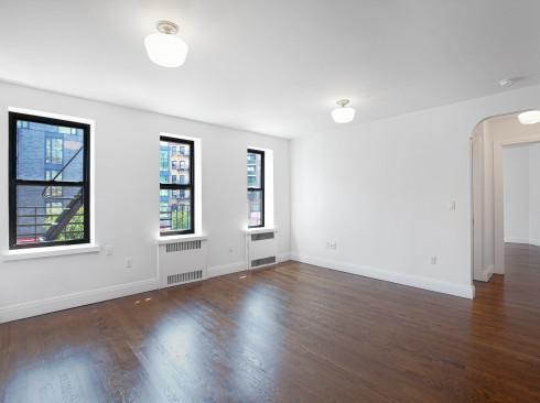62 Leroy St. #2BC- Livingroom 1low