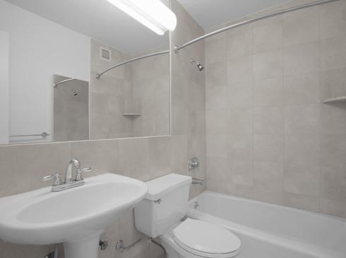 SPT #24K-Bathroom1Low