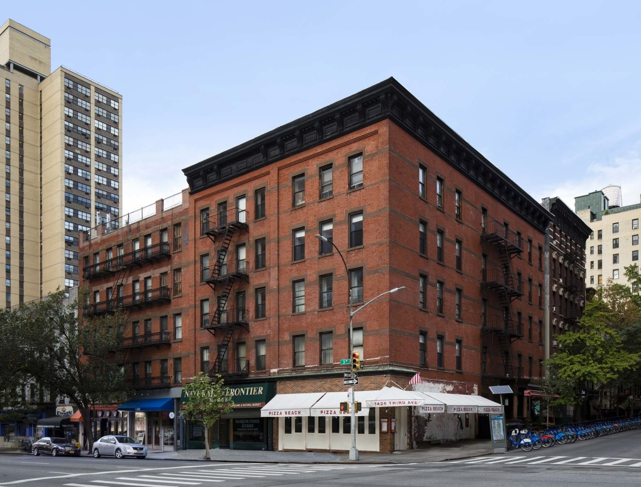 Upper east side apartment availability 1422 third avenue for No fee apts nyc