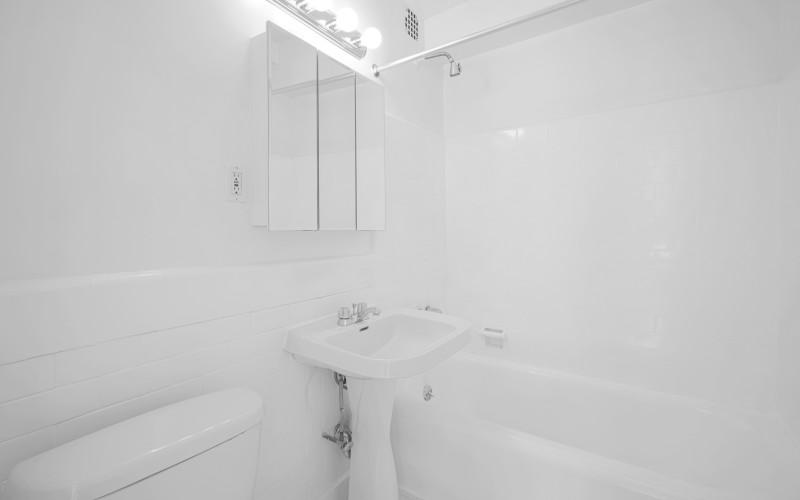253 w 72 #616 BathroomLow