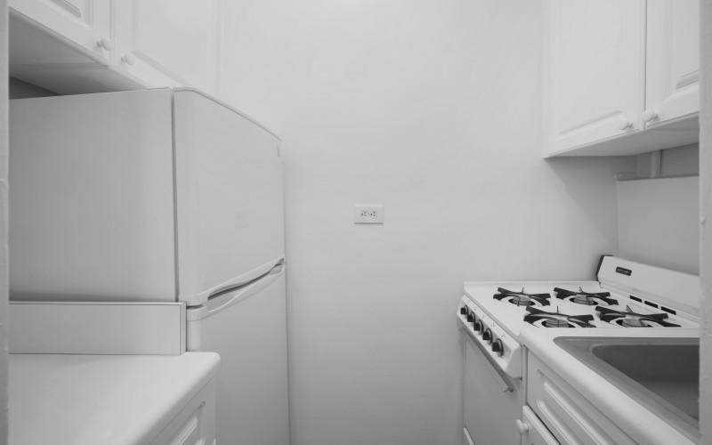 253 w 72 #616 KitchenLow