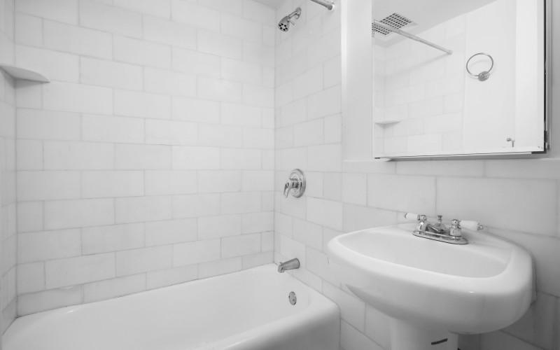 12E86 #640 BATH