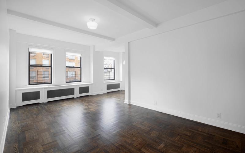 12 e 86 #800 Livingroom1Low