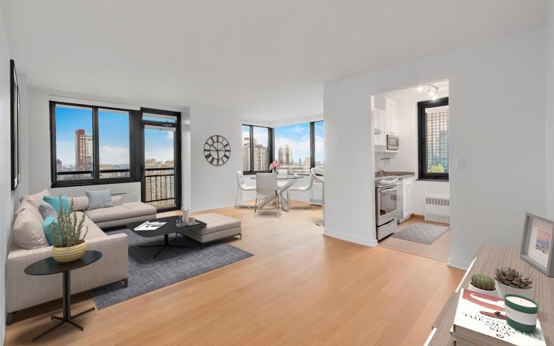 124 #33M Livingroom1