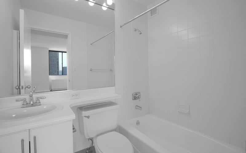 124 w 60 10G - BathroomLow