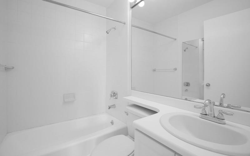 124-w-60-#19B-Bathroom1