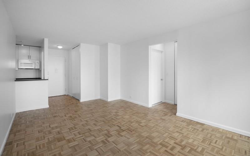 124-w-60-#19B-Livingroom2
