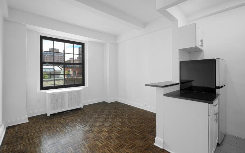 160w71 #5H Livingroom1Low