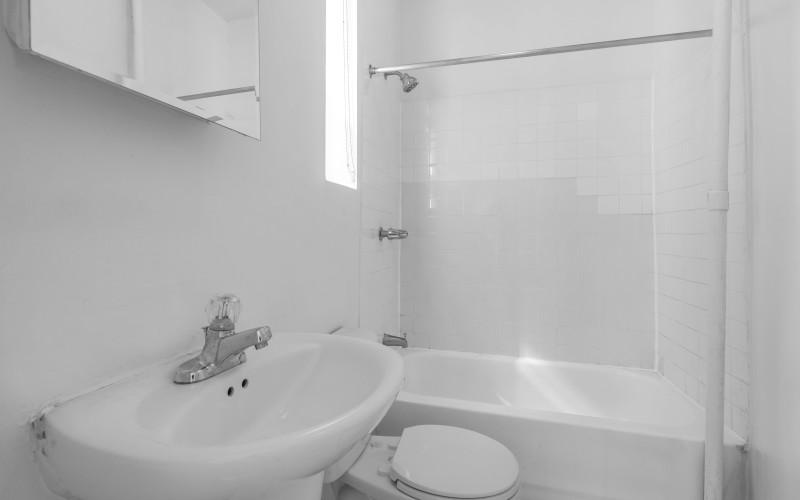 176E81 #5D BATH