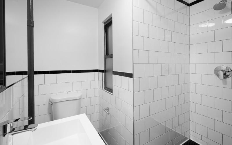20-Cornelia-#2-BathroomLow