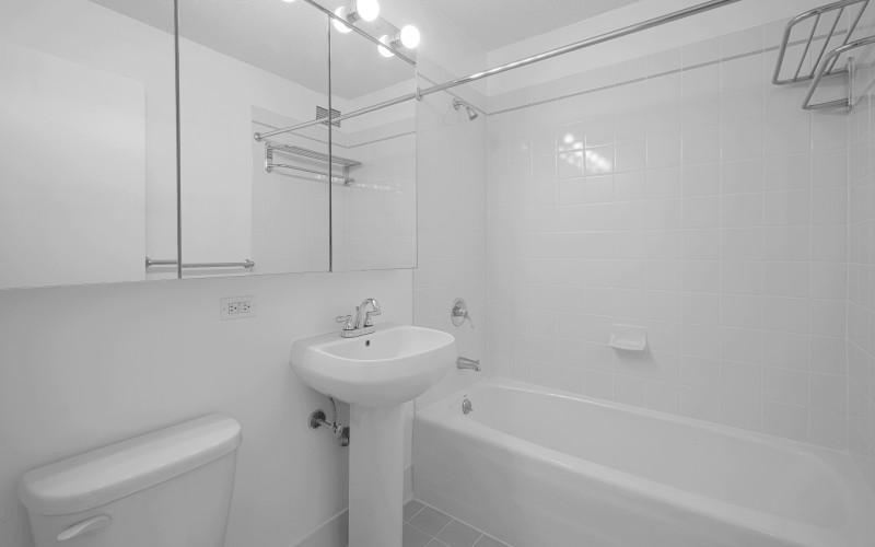 200-w-60-#17E-Bathroom