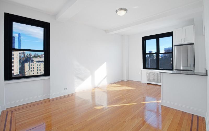 208-w-23-#1416-LivingroomLow.