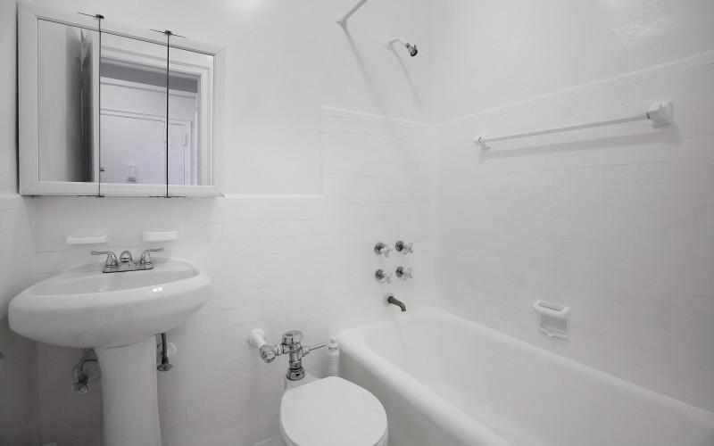 208W23 #919 BATH