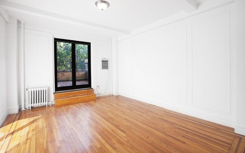 208-w-23#312-LivingroomLow