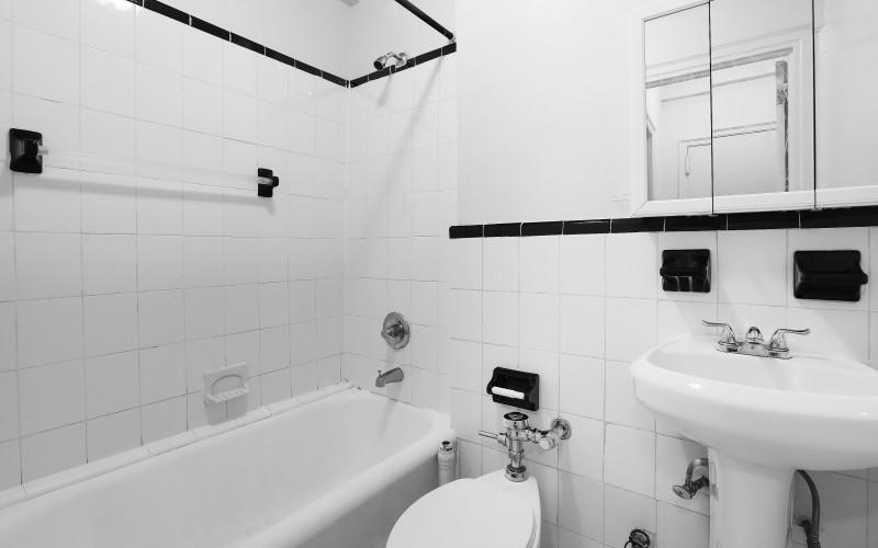 208W23 #517 BATH