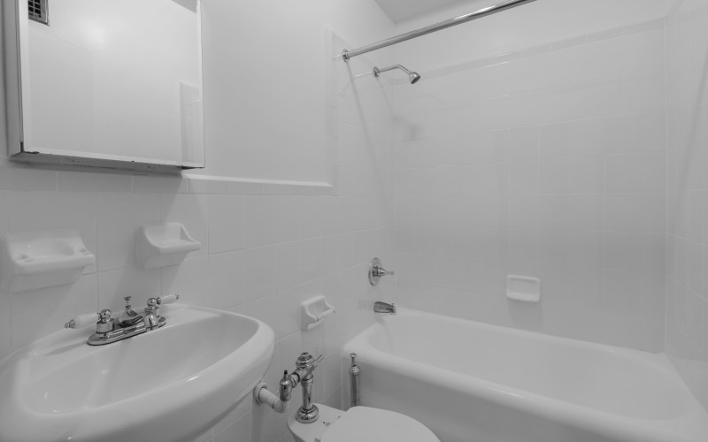 208W23 #209 BATH