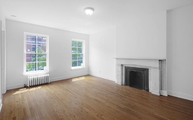 235-w-13-#5-Livingroom1