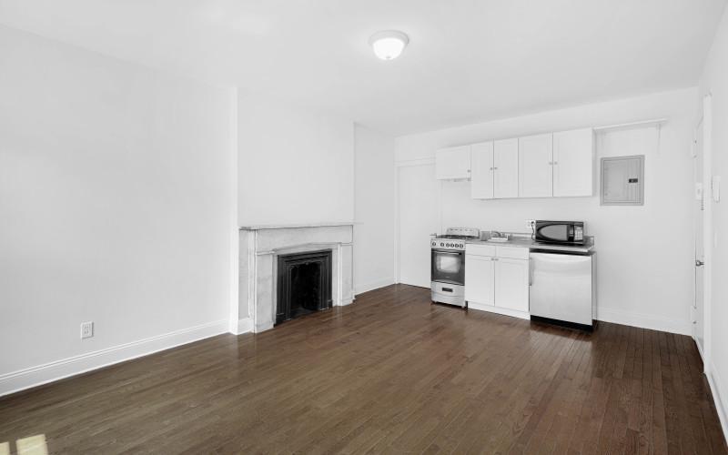 235-w-13-#5-Livingroom2
